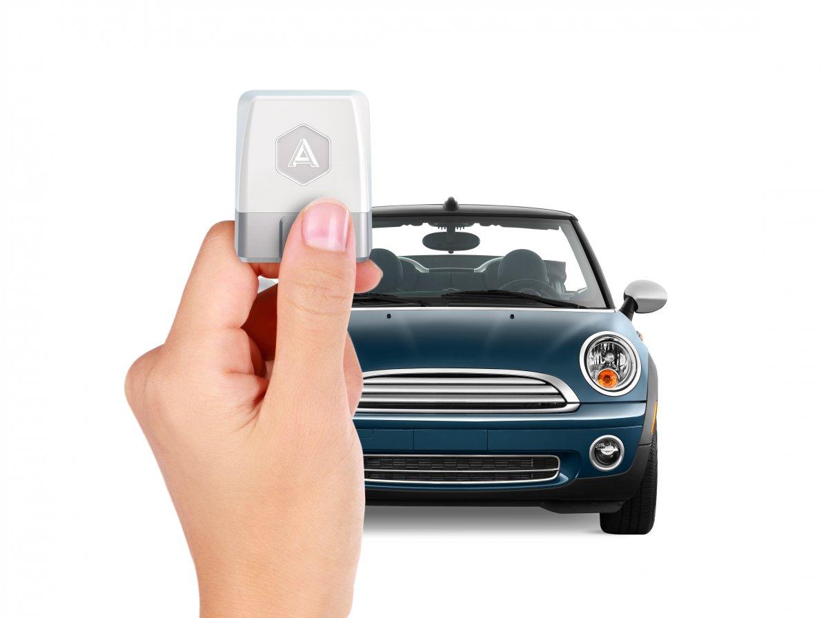 Automatic furnizeaza date despre masina
