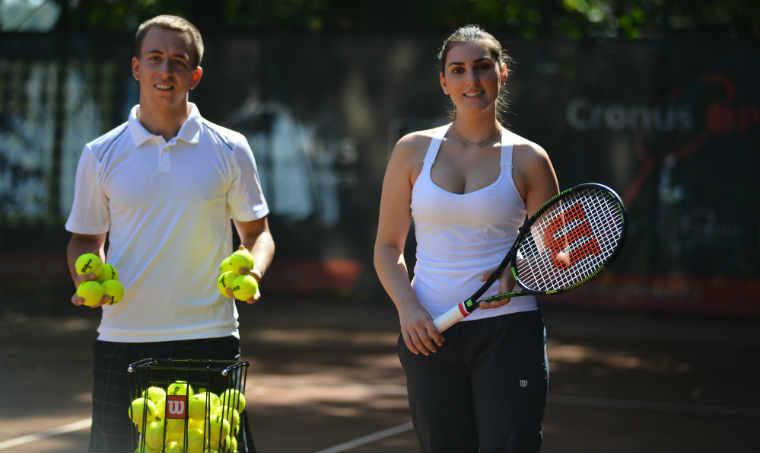Tennis Hero: Sportul te elibereaza
