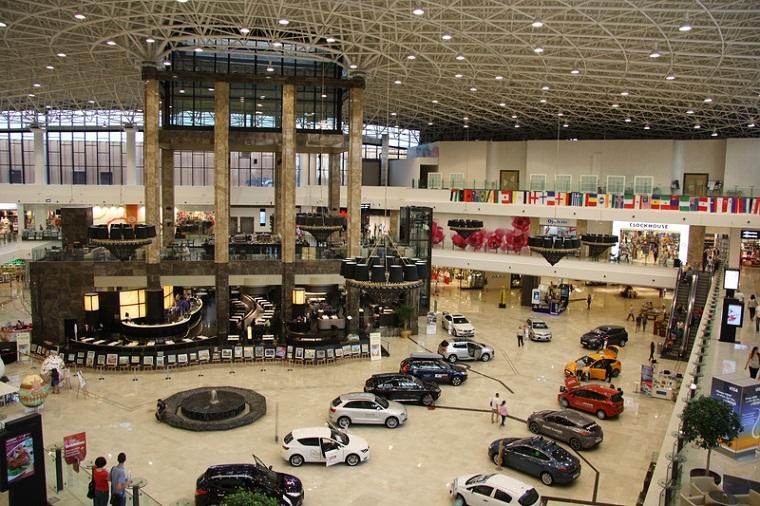 Retail: Atterbury, Mitiska si Auchan au fost printre putinii cumparatori de active in 2017