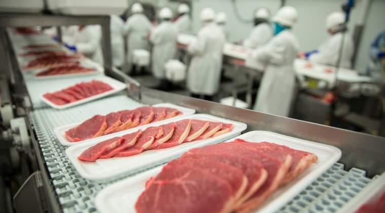 Elit si Vericom, cumparati de cel mai mare furnizor de carne de porc din lume