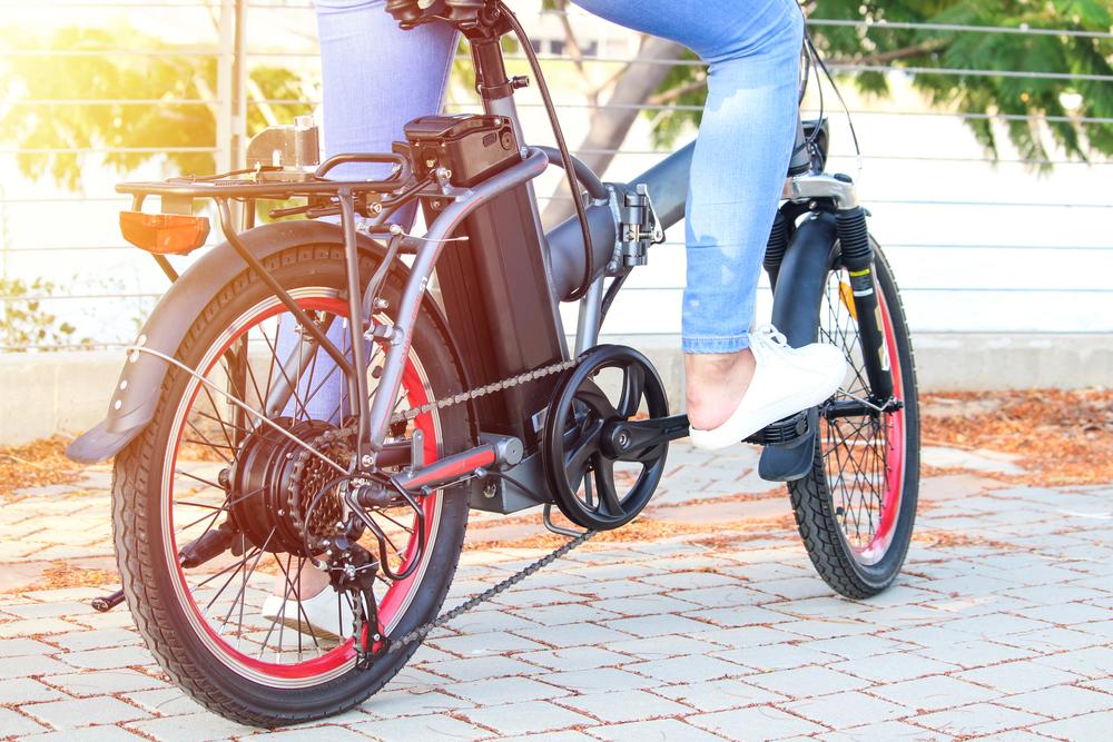 Biciciletele sau trotinetele electrice necesită mai puțin efort