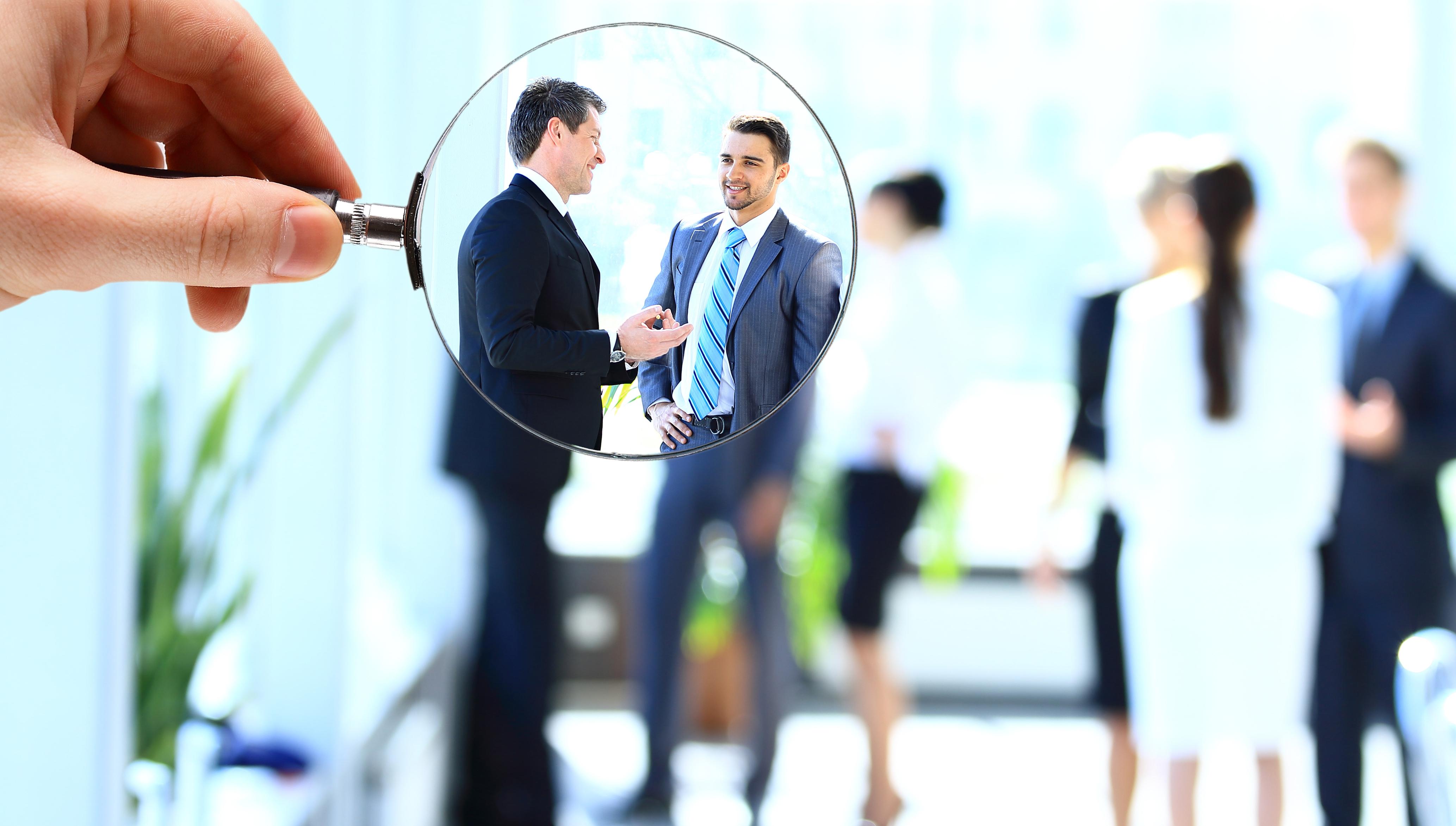 3. Stabilești relații strânse cu colegii