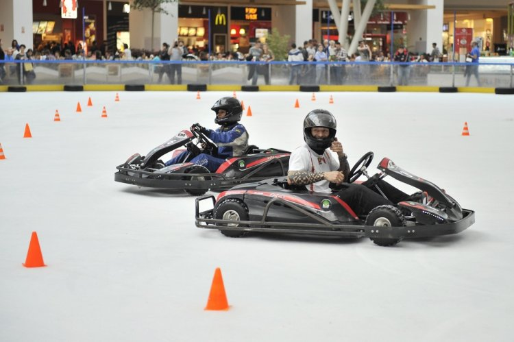 Patinoarul Cotroceni on Ice introduce in premiera in Romania serviciul ice karting