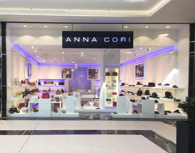 Inaugurarea noului magazin de încălţăminte şi marochinărie ANNA CORI în City Park Mall Constanţa