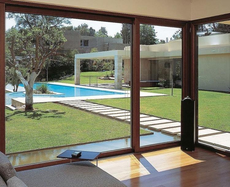Iata de ce locuinta ta are nevoie de usi si ferestre din lemn stratificat de la Robimex