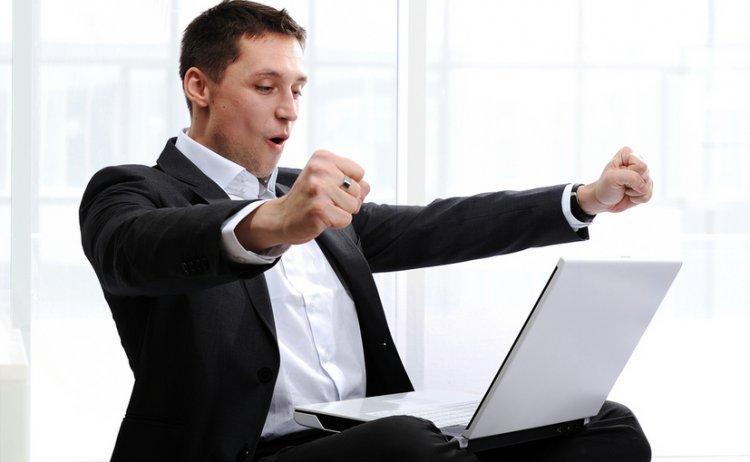 Ai un business la inceput? Afla avantajele unui software financiar - contabil
