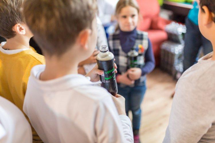 Green Cola în dar, la casele de copii și de bătrâni din Capitală