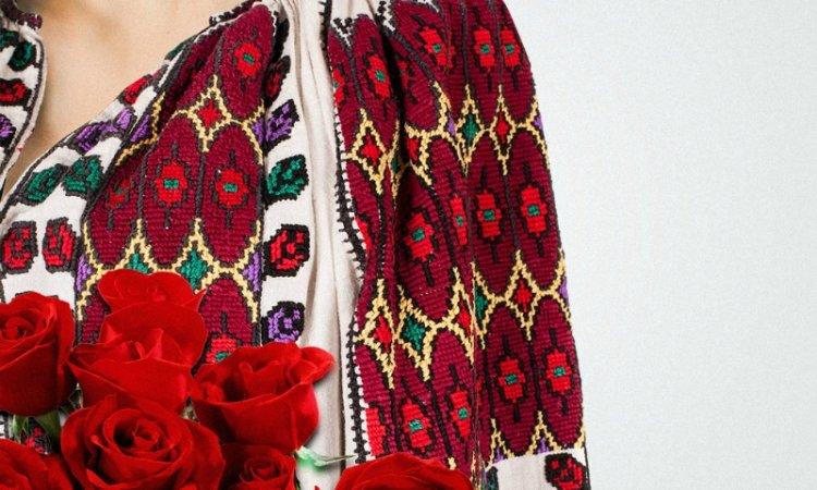 Romanii isi redescopera valorile traditionale la Festivalul Romania Autentica prin maiestria seniorilor