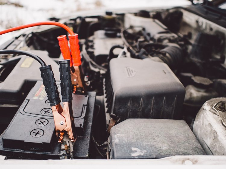 De ce se descarca bateria auto - cele mai frecvente 3 motive