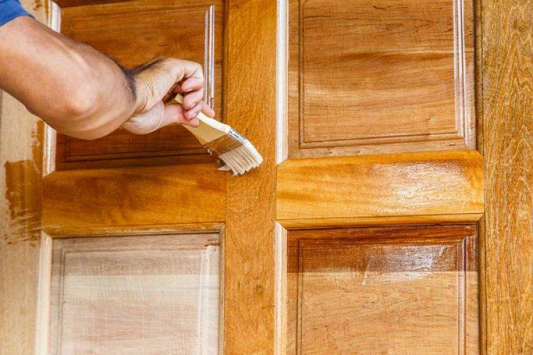 Lacuri pentru lemn - restaureaza aspectul fara cusur al suprafetelor si mobilierului tau!
