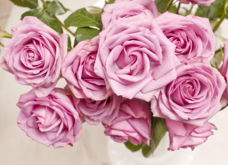 Livrare flori Bucuresti: Descopera creativitatea si prospetimea Florandes.ro