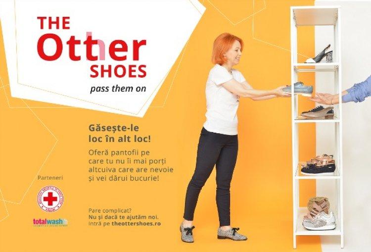 "Otter da startul campaniei de strangere de donatii pentru Crucea Rosie Romana, ""The Otter Shoes"""