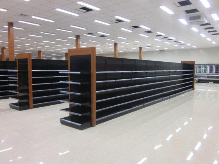 Rafturi metalice pentru magazine - ce caracteristici trebuie sa aiba?