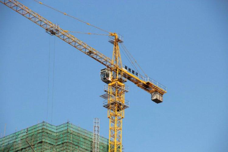 Care este importanta macaralelor turn pentru lucrarile de amploare?