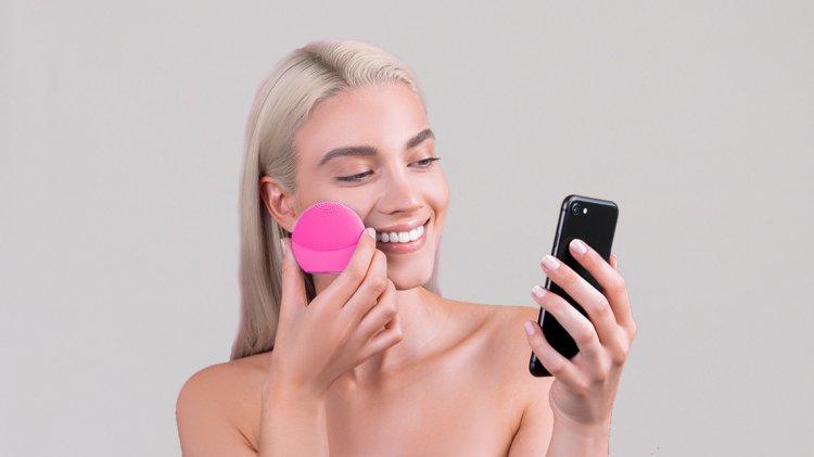 FOREO – brandul de beauty cu cea mai mare crestere din industrie, dezvaluie trendurile anului 2019