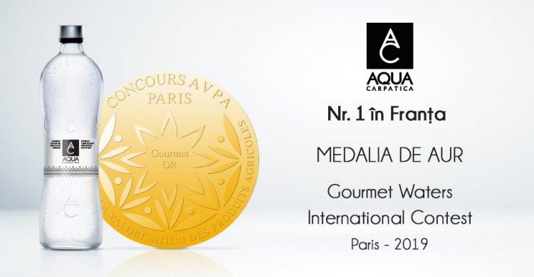 """Medalie de aur la Concursul Internațional """"Gourmet Waters"""" pentru AQUA Carpatica minerală naturală, natural carbogazoasă"""
