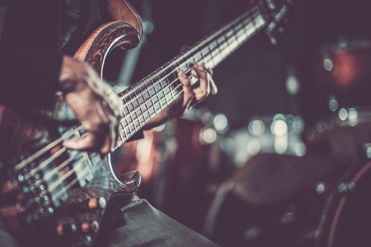 Esti talentat in domeniul muzicii? Iata cum poti face bani din pasiunea ta