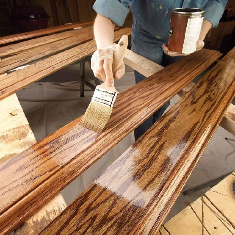In ce situatii alegem un lac incolor pentru lemn? Beneficii si motivatii