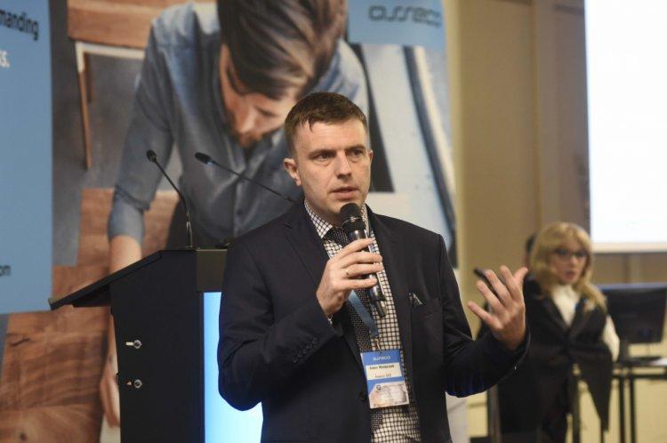 Afacerile, tehnologia și inovația s-au întâlnit la Conferința Fast Forward your Business