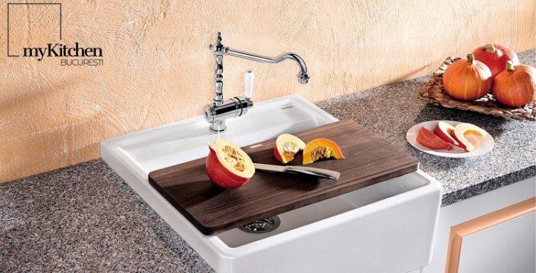 Mobilier de bucătărie pentru pretenţioşi: cum alegem robinetul de bucătărie?
