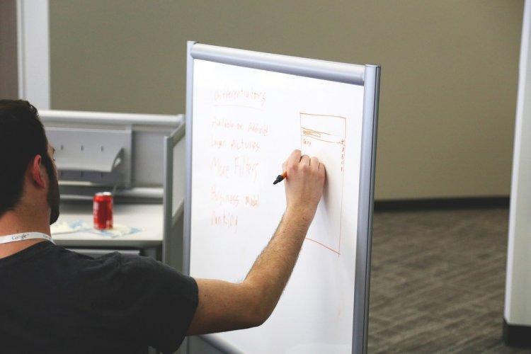 Tabletele magnetice pentru birou – principalele motive pentru a le achizitiona