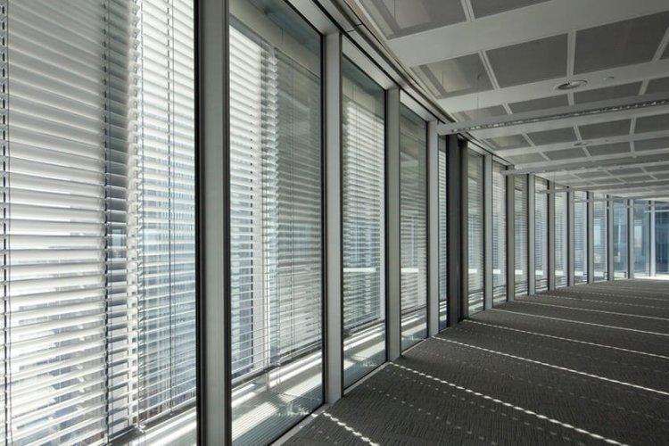 Amenajare terasa cu panouri culisante din sticla, avantaje