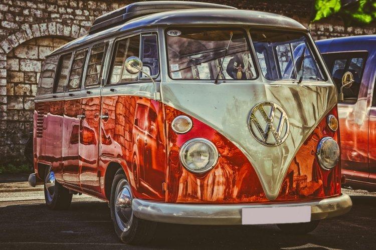 Volkswagen (VW) - Masina Oamenilor