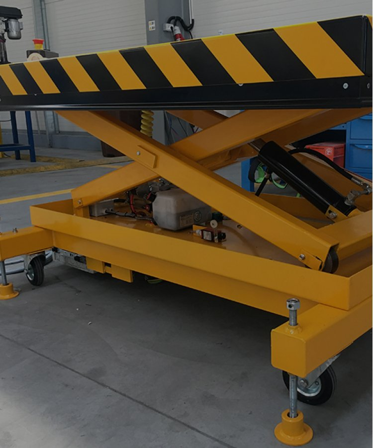 Alege gama de lifturi hidraulice SKBS