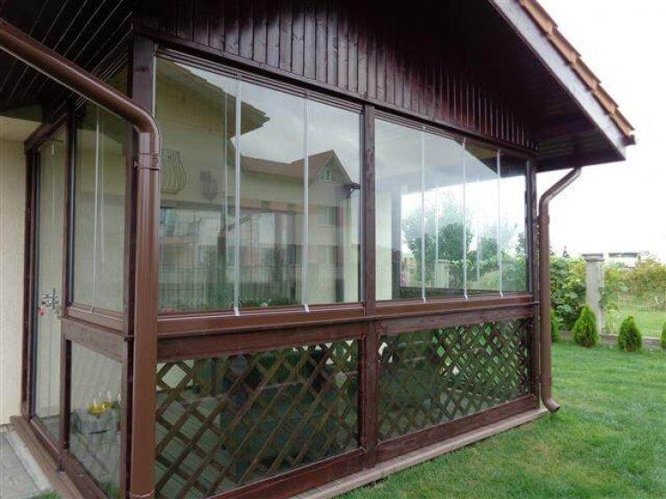 Servicii de inchidere balcon cu sticla glisanta si inchidere terasa cu sticla glisanta