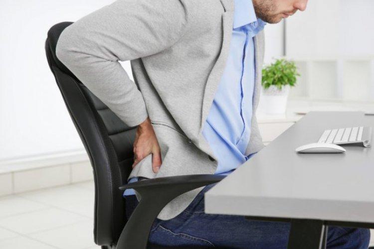 6 pericole la care ne expune munca la birou