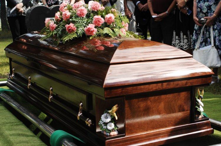 Beneficiile contactarii unei firme de servicii funerare