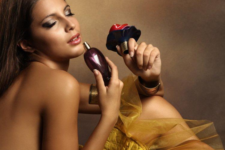 Vrei un parfum special și unic? Alege parfumul preferat din colecțiile de parfumuri orientale!