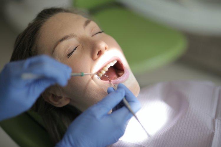 5 motive pentru a nu mai amâna vizitele la stomatolog