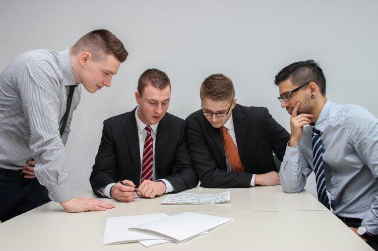 Reguli de bune maniere în întâlnirile de afaceri