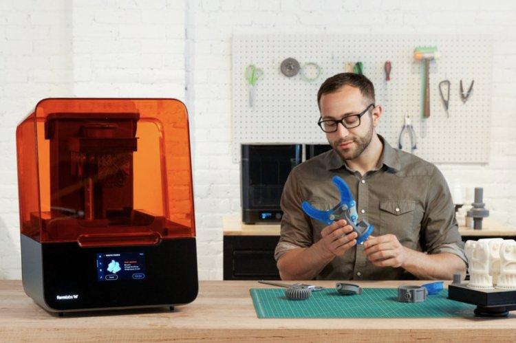 iMAKE3, primul reseller de imprimante 3D din România, te plimbă pas la pas prin istoria fabricării aditivate