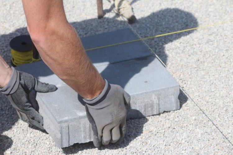 Cele mai importante avantaje ale pavelelor din beton vibropresat