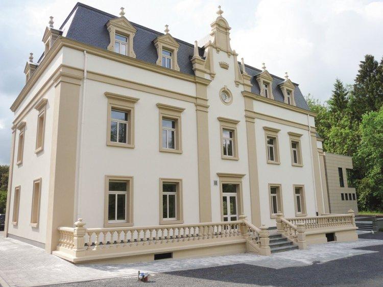 Legătura dintre ancadramente ferestre din polistiren pentru exterior și cochetăria casei