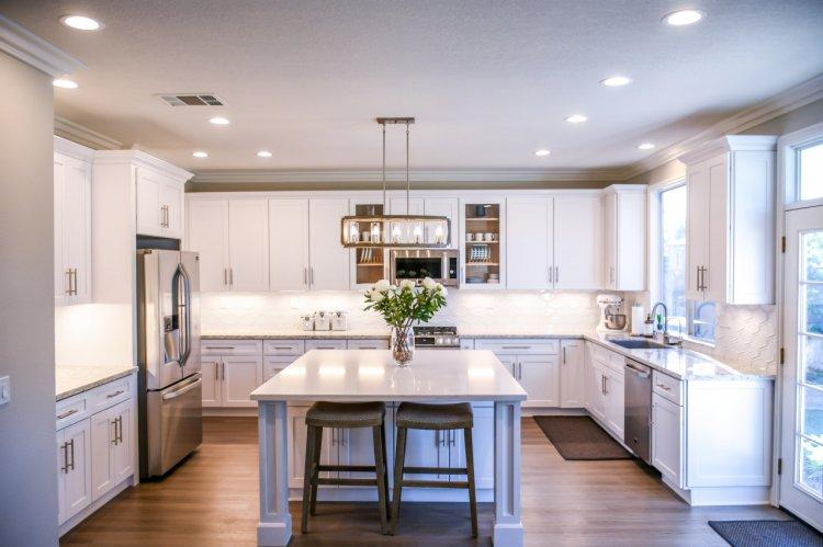 Cât costă să-ți transformi locuința în smart home