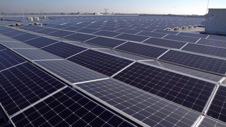 S-a finalizat instalarea celui mai puternic acoperiș din Panouri Solare