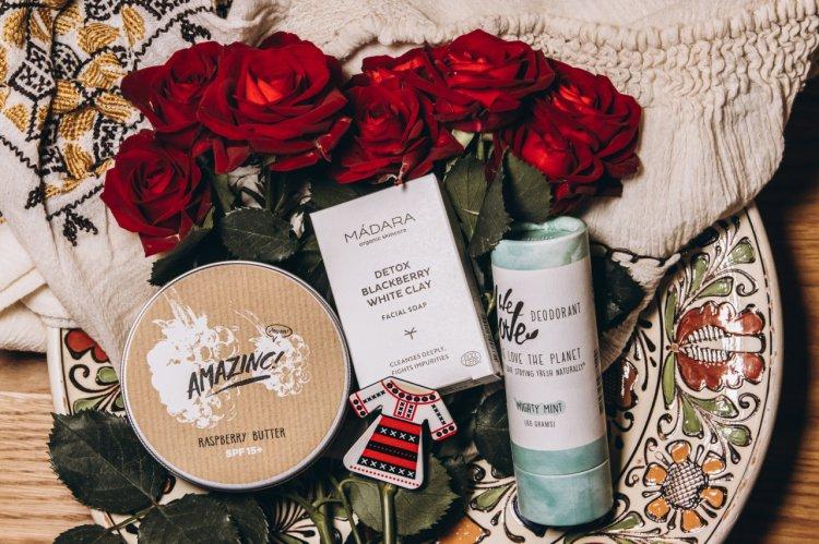Cosmetice sustenabile și îngrijire naturală - viitorul ritualului de frumusețe