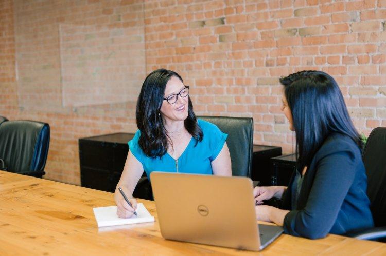 5 erori de evitat în evaluarea angajaților din cadrul companiei