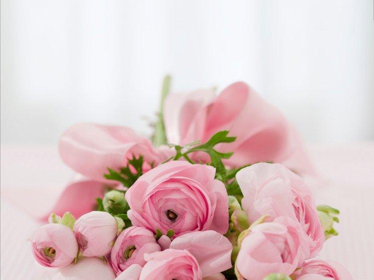 7 idei de aranjamente florale pentru botez