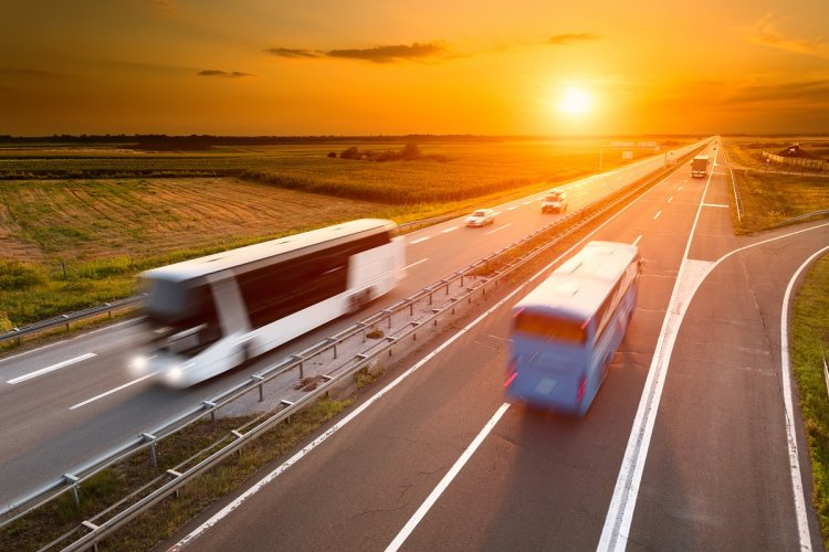 Transport angajaţi cu firma de închirieri autocare și microbuze TransCar SRL