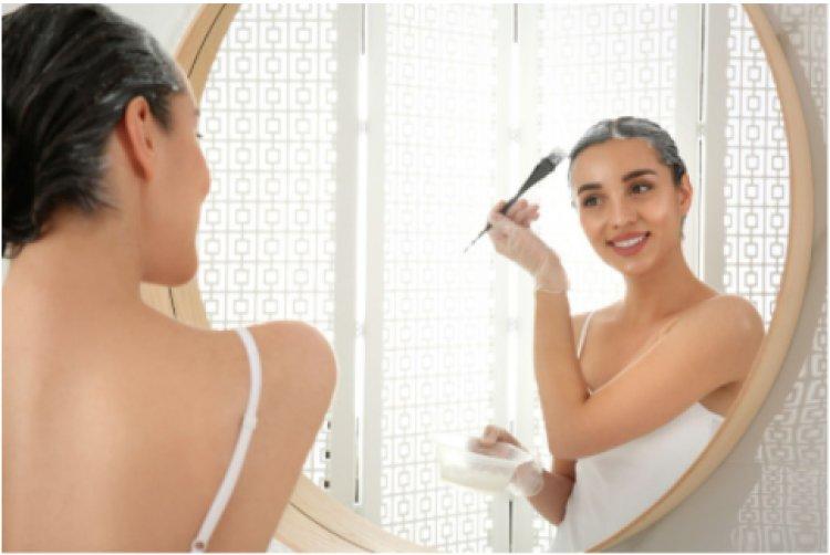 Vopsea de păr cu sau fără amoniac: cum să faci alegerea corectă