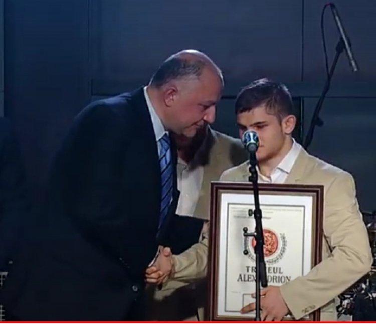 Fundația Alexandrion sprijină campionii prin Gala Trofeelor Alexandrion. Cazul Alex Bologa
